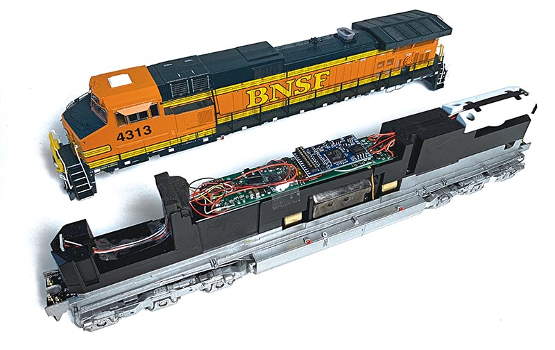 GE Dash9 ScaleTrains