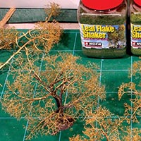 Easy and Effective Foreground Trees for Your Model Railroad