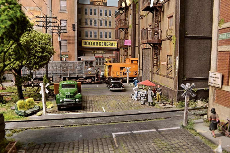 59th and Rust: An Urban Switching Layout in HO