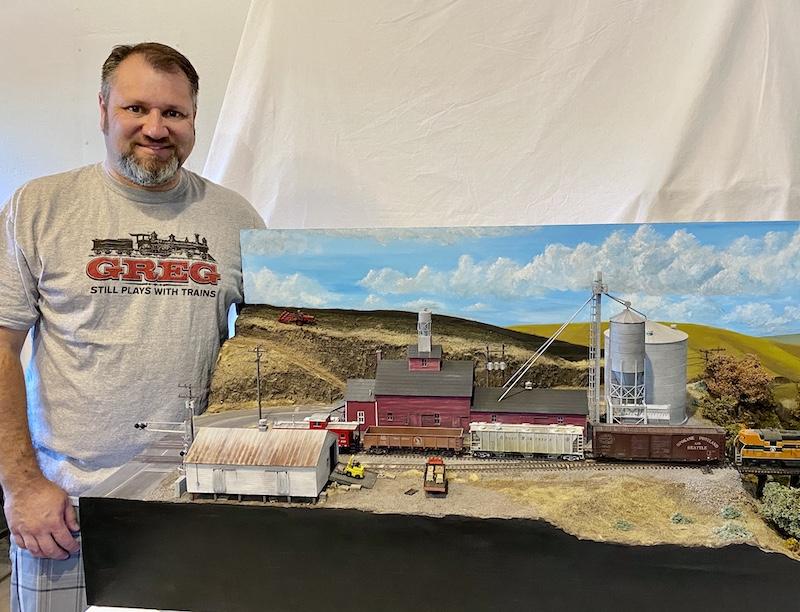 Ready, Set, Model! Walthers Kicks Off Annual Model Railroad Build